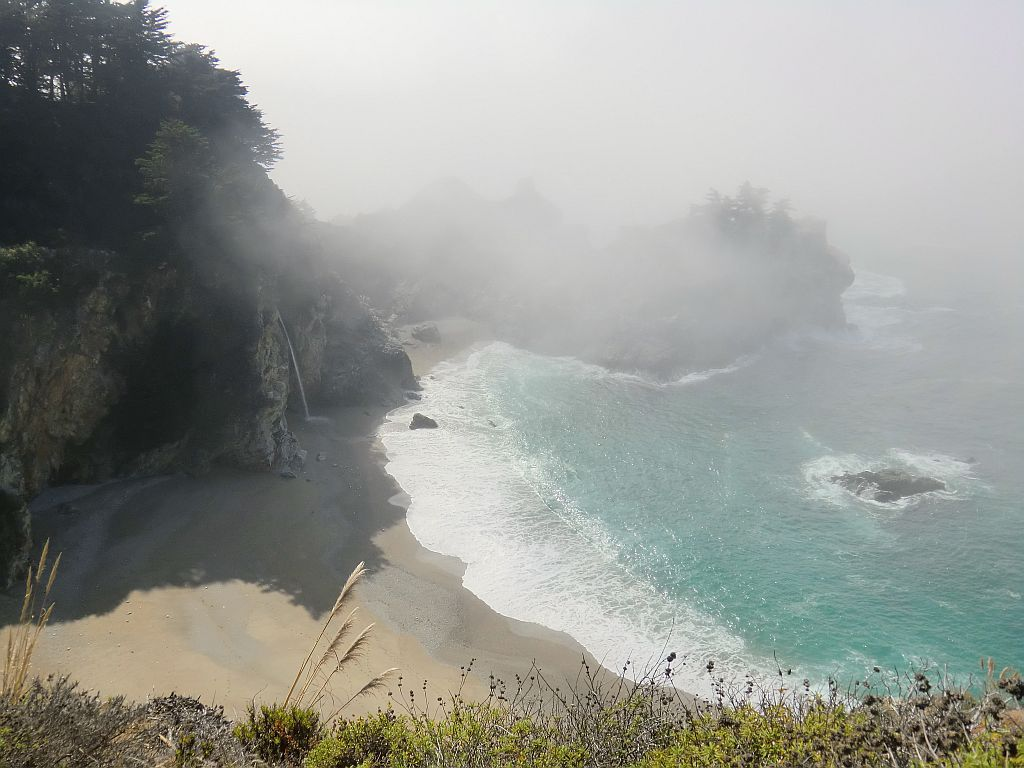 10_bigsur_waterfall